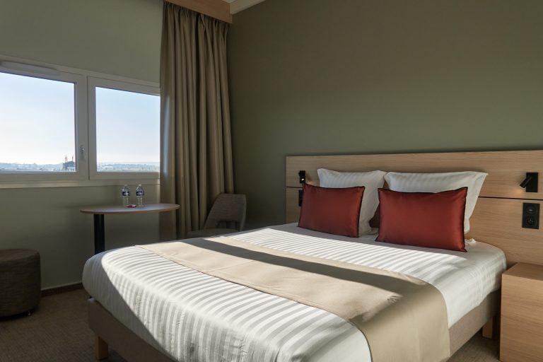 Découvrez des chambres claires et spacieuses à l'Akena Hôtel Troyes