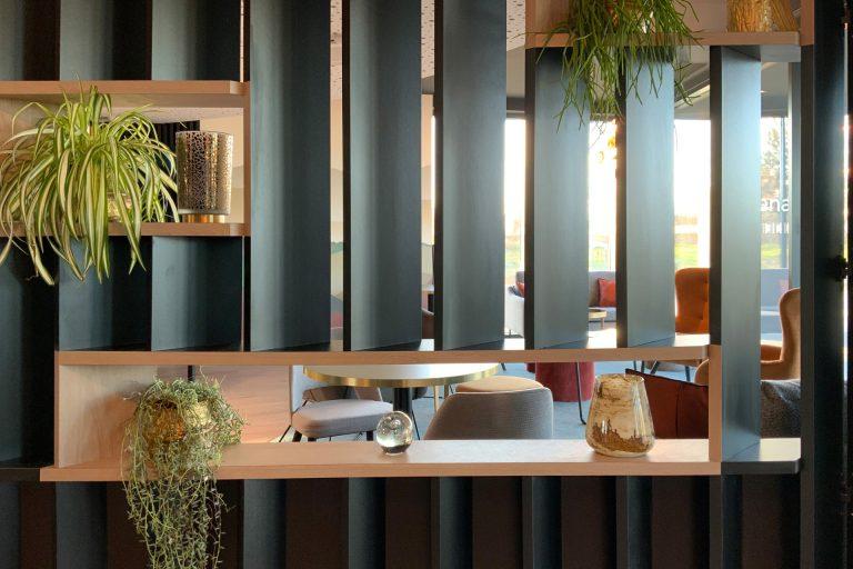L'Akena Hôtel Troyes vous accueille dans une atmosphère contemporaine élégante.